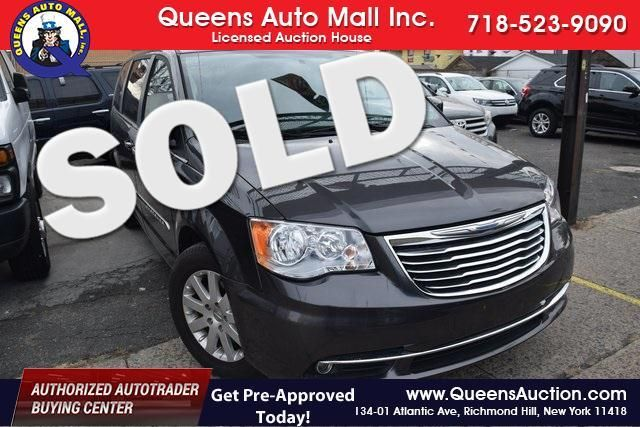 2015 Chrysler Town & Country Touring Richmond Hill, New York 0