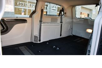2015 Chrysler Town & Country Limited Platinum Waterbury, Connecticut 15