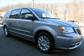 2015 Chrysler Town & Country Limited Platinum Waterbury, Connecticut 20