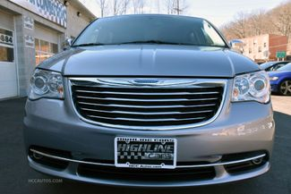 2015 Chrysler Town & Country Limited Platinum Waterbury, Connecticut 21