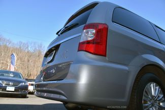 2015 Chrysler Town & Country Limited Platinum Waterbury, Connecticut 23