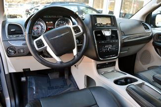 2015 Chrysler Town & Country Limited Platinum Waterbury, Connecticut 25