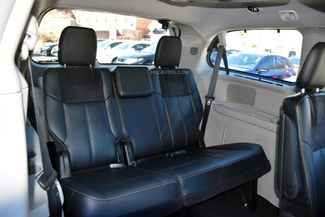 2015 Chrysler Town & Country Limited Platinum Waterbury, Connecticut 32