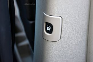 2015 Chrysler Town & Country Limited Platinum Waterbury, Connecticut 35