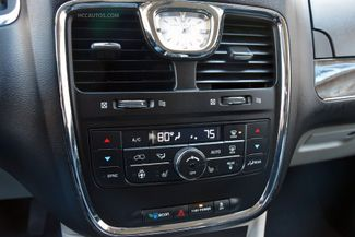 2015 Chrysler Town & Country Limited Platinum Waterbury, Connecticut 49