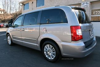 2015 Chrysler Town & Country Limited Platinum Waterbury, Connecticut 6