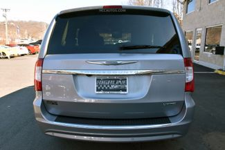 2015 Chrysler Town & Country Limited Platinum Waterbury, Connecticut 7