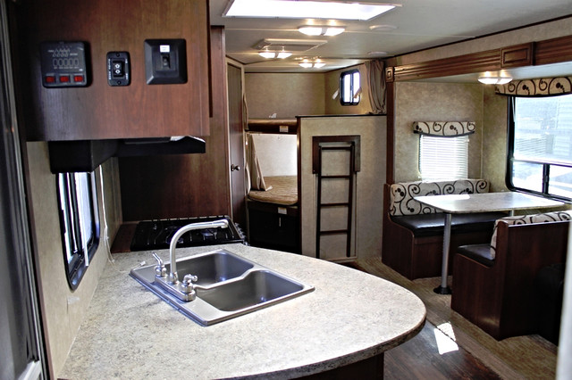 2015 Crossroads Rv Z-1 272BH Bunkhouse slide San Antonio, Texas 8