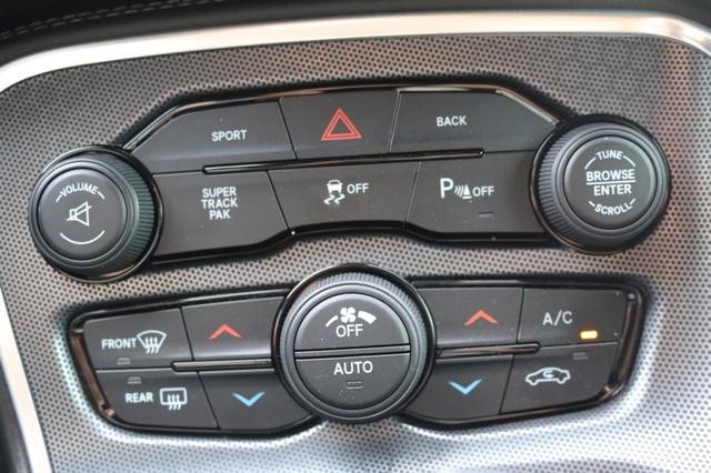 2015 Dodge Challenger R/T Plus Mooresville, North Carolina 43