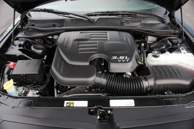 2015 Dodge Challenger SXT Plus Mooresville , NC 26
