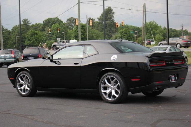 2015 Dodge Challenger SXT Plus Mooresville , NC 4