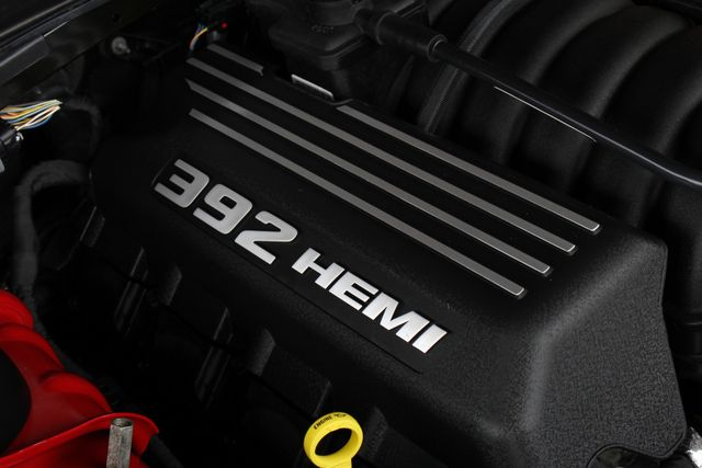 2015 Dodge Challenger SRT 392 - NAVIGATION - RED SUEDE/LEATHER! Mooresville , NC 4