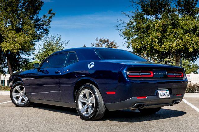 2015 Dodge Challenger SXT Reseda, CA 6