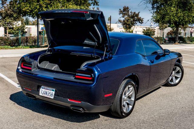 2015 Dodge Challenger SXT Reseda, CA 10
