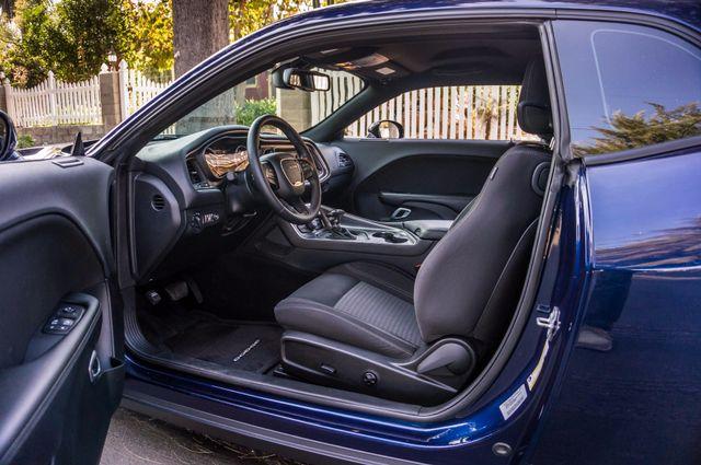 2015 Dodge Challenger SXT Reseda, CA 12