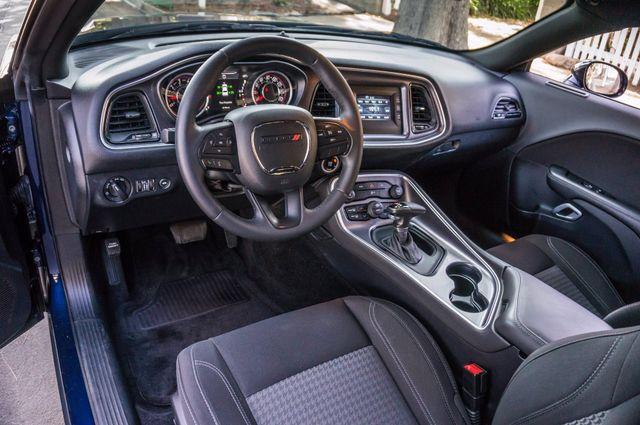 2015 Dodge Challenger SXT Reseda, CA 13