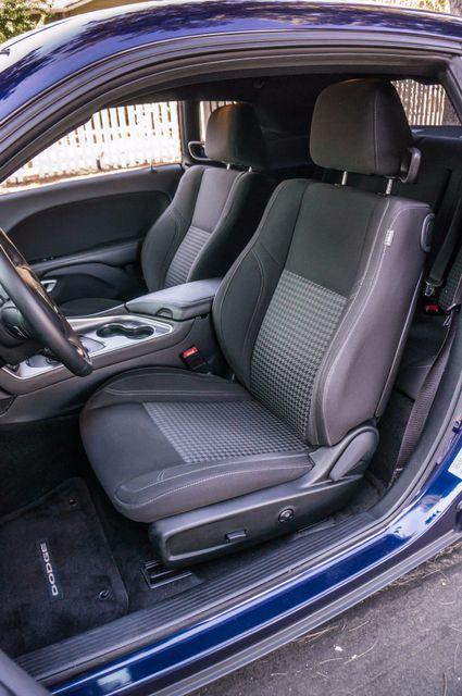 2015 Dodge Challenger SXT Reseda, CA 25