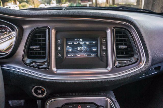 2015 Dodge Challenger SXT Reseda, CA 21