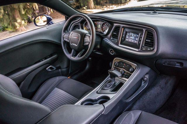 2015 Dodge Challenger SXT Reseda, CA 30