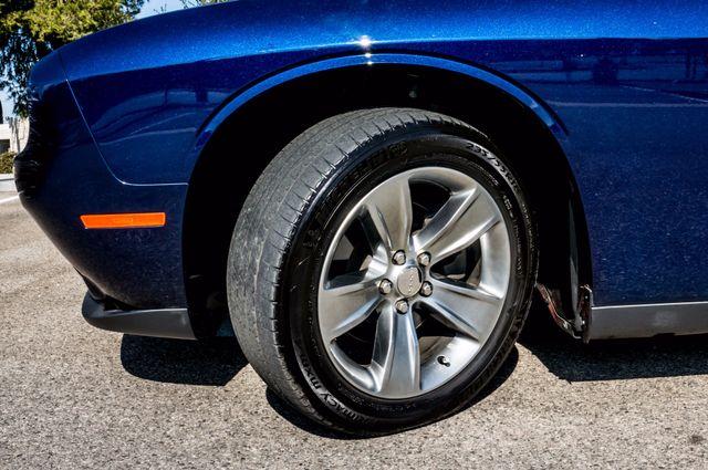 2015 Dodge Challenger SXT Reseda, CA 11