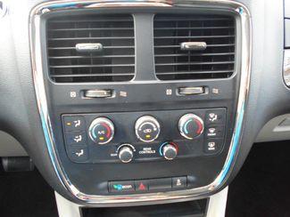 2015 Dodge Grand Caravan Sxt Wheelchair Van Pinellas Park, Florida 9