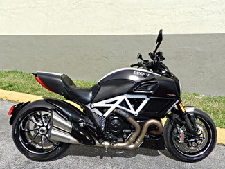 2015 Ducati Diavel Carbon White in Hollywood, Florida