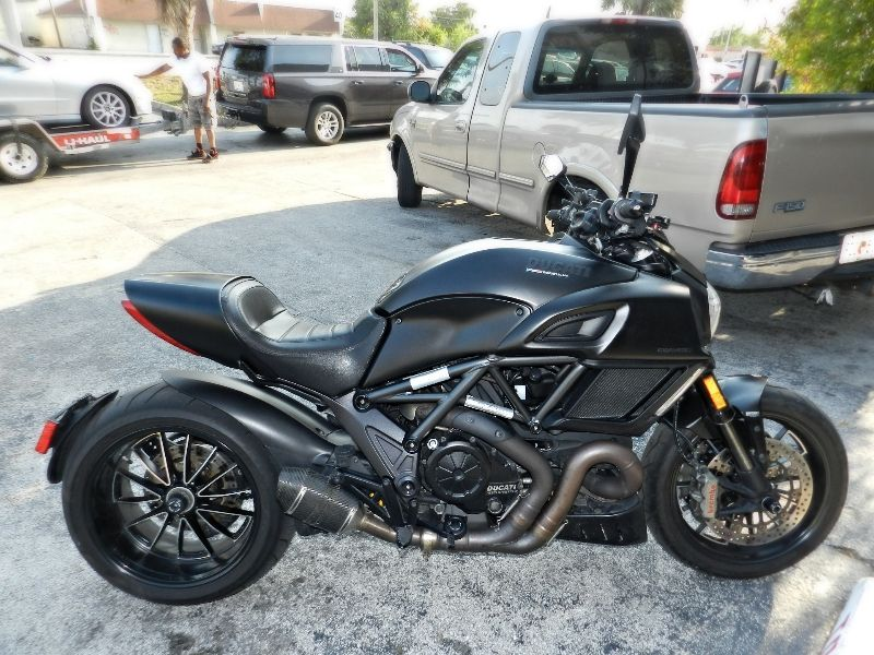 2015 Ducati Diavel Dark Low Miles Warranty Extras  Save   city Florida  MC Cycles  in Hollywood, Florida