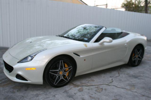 2015 Ferrari California Houston, Texas 6