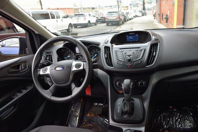 2015 Ford Escape S Richmond Hill, New York 17