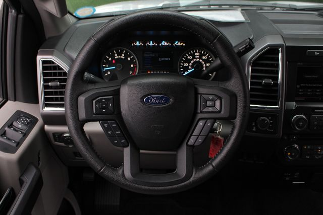 2015 Ford F-150 XLT SuperCrew 4x4 - NAV - HEATED LEATHER! Mooresville , NC 6