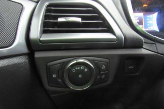 2015 Ford Fusion SE W/ NAVIGATION SYSTEM/ BACK UP CAM Chicago, Illinois 24