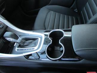 2015 Ford Fusion SE Fremont, Ohio 8
