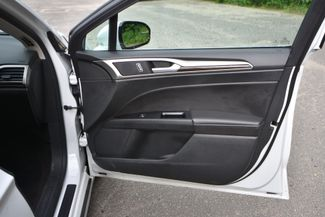 2015 Ford Fusion Hybrid SE Naugatuck, Connecticut 10