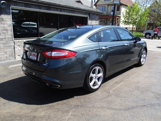 2015 Ford Fusion SE Milwaukee, Wisconsin 3