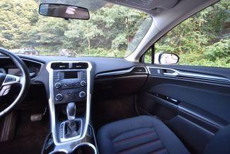 2015 Ford Fusion SE AWD Naugatuck, Connecticut 17
