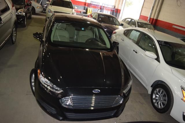 2015 Ford Fusion SE Richmond Hill, New York 2