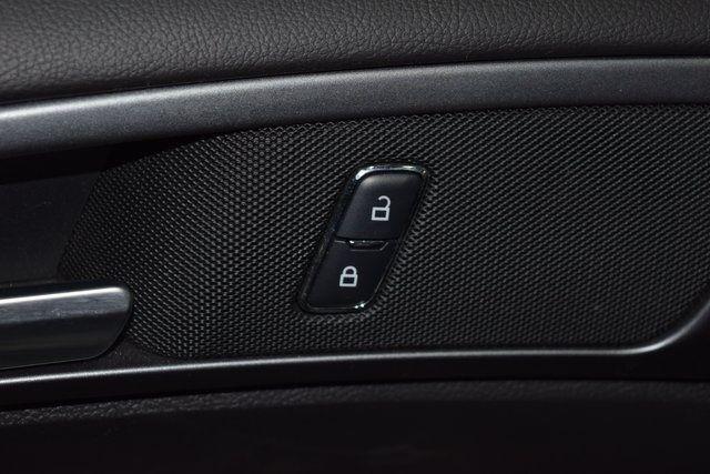 2015 Ford Fusion SE Richmond Hill, New York 24