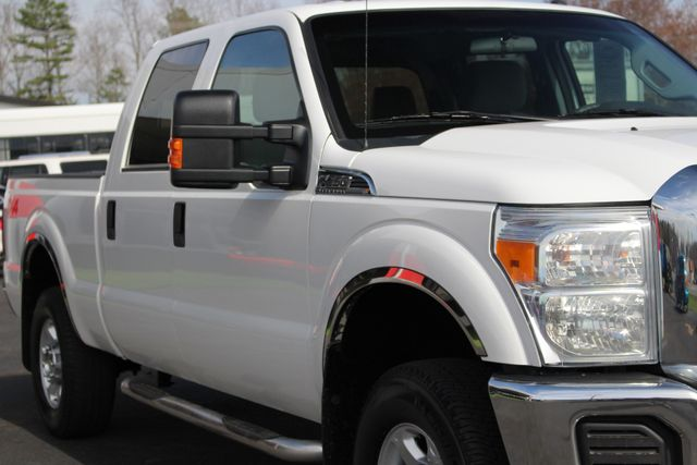 2015 Ford Super Duty F-250 Pickup XLT Crew Cab 4x4 FX4 - MICHELINS! Mooresville , NC 22