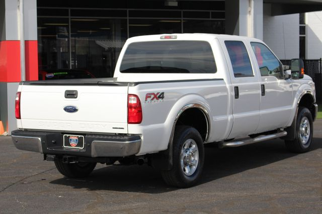 2015 Ford Super Duty F-250 Pickup XLT Crew Cab 4x4 FX4 - MICHELINS! Mooresville , NC 24