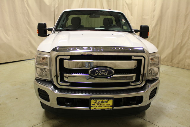 2015 Ford Super Duty F-250  XLT Long Bed Roscoe, Illinois 3