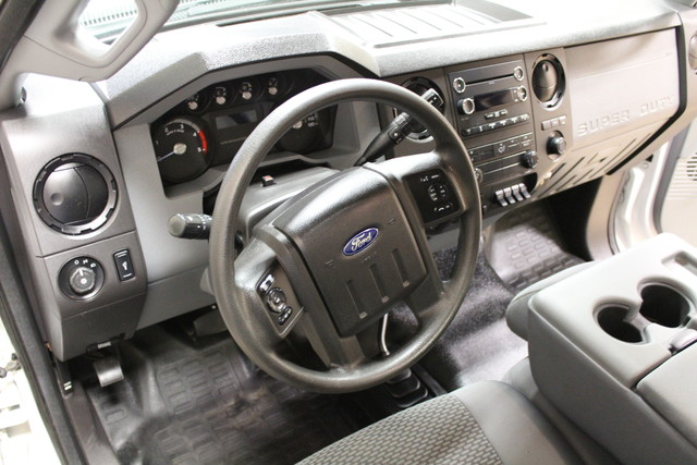 2015 Ford Super Duty F-350 Dually XL Diesel Roscoe, Illinois 12