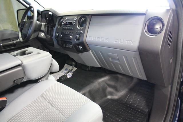 2015 Ford Super Duty F-350 SRW Pickup XL Roscoe, Illinois 16
