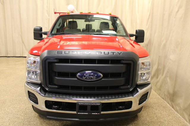 2015 Ford Super Duty F-350 SRW Pickup XL Roscoe, Illinois 3