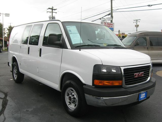 2015 GMC Savana Cargo Van G2500 Richmond, Virginia 3