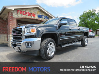 2015 GMC Sierra 2500HD available WiFi SLT 4x4 Crew Cab | Abilene, Texas | Freedom Motors  in Abilene,Tx Texas