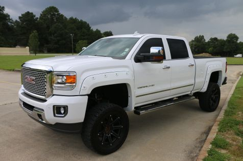 2015 Gmc 2500 Hd Crew Cab Denali 4wd Duramax Diesel NAVI ROOF DRIVER ALERT LOADED LIFTED FLARES DVD 35S ON 20S ONE OWNER CARFAX READY TO GEAUX | Baton Rouge , Louisiana | Saia Auto Consultants LLC in Baton Rouge , Louisiana