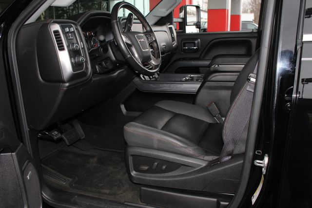 2015 GMC Sierra 2500HD available WiFi SLT Crew Cab 4x4 Z71 - ALL TERRAIN HD EDITION! Mooresville , NC 28