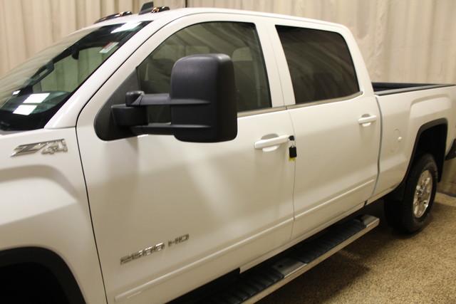 2015 GMC Sierra 2500HD  SLE Roscoe, Illinois 7