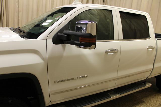 2015 GMC Sierra 2500HD available WiFi Denali Roscoe, Illinois 12