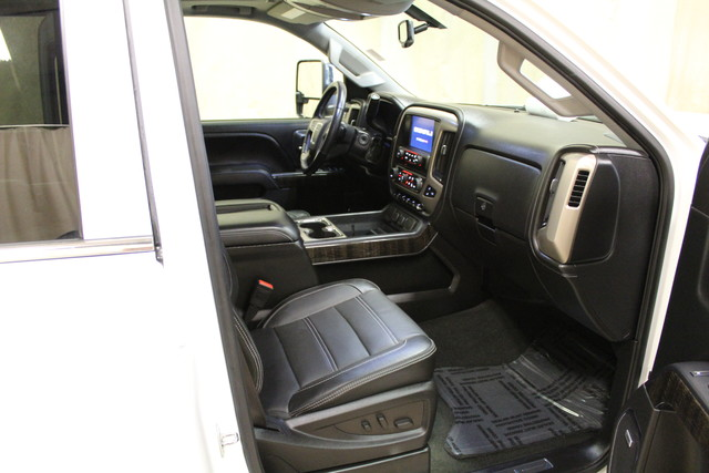 2015 GMC Sierra 2500HD available WiFi Denali Roscoe, Illinois 18